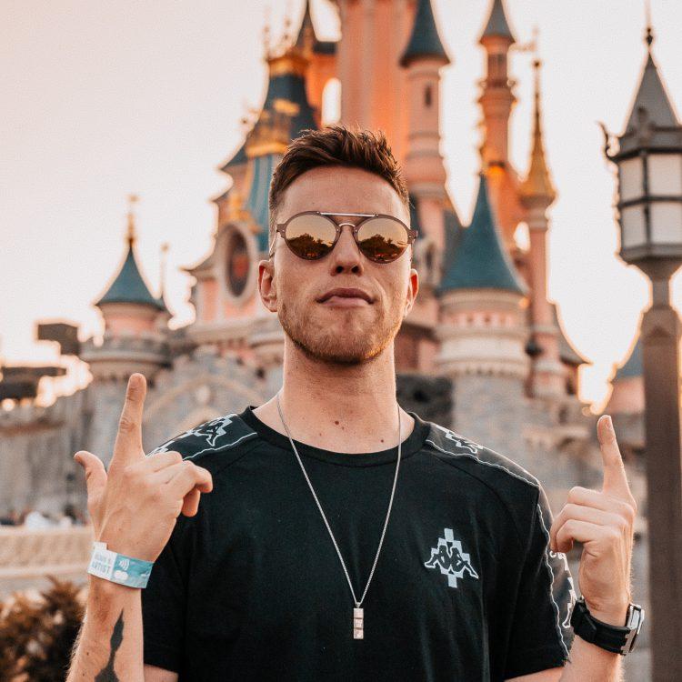Jul 07 — 2019, Electroland, Disneyland, Paris